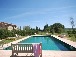 Pienza Villa Sleeps 7 with Pool and WiFi - 5218323