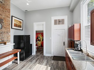 Charming Authentic MidCity! Huger.