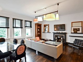 Luxury 3 Beds 2 baths in South Kensington