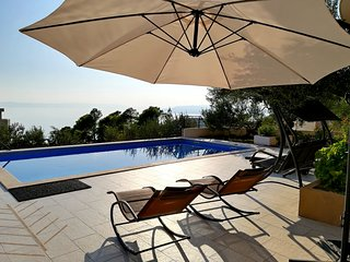 Holiday home Arija with beautiful garden and seaview