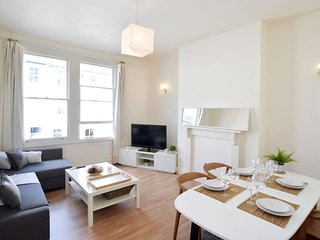 Amazing 4 Beds Flat in the heart of Kensington