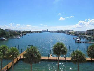 Dockside 402 2 BR / 2 BA Waterfront January Specials - Clearwater Beach