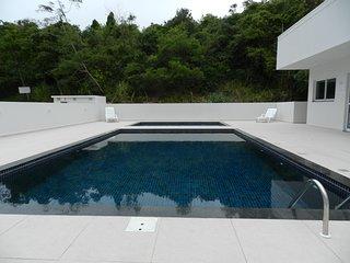APART HOTEL NOS INGLESES, 50 METROS DO MAR, SUPER NOVO!