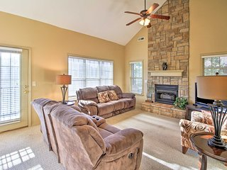 Branson Family Resort Condo w/ Modern Amenities!