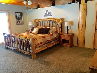 Aspen Ridge Bedroom 1