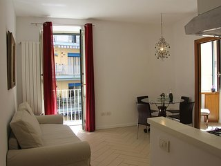 Apartment 1.2 km from the center of Naples with Internet, Air conditioning, Wash