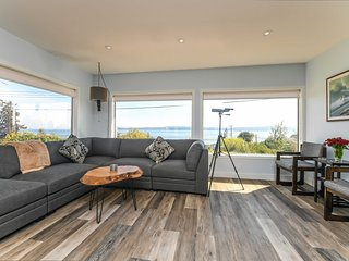 NEW! Union Bay House w/Patios - Walk to Ocean!