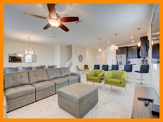 Championsgate 202 - 5* modern villa with pool and themed rooms, near Disney