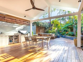 Tropical Getaway in Inner Sydney Suburb H423