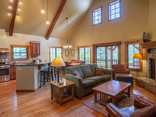 Creekside Chalet | Tamarack Resort | Sleeps 8