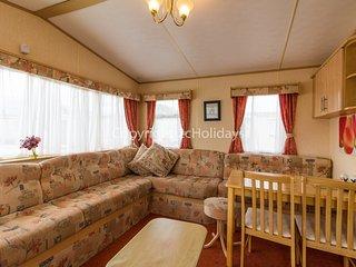 6 Berth Caravan in Heacham. Quiet area of park. *Pets Welcome. REF 21014 C