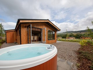 Balloch Park, luxury holiday lodges, Kenmore