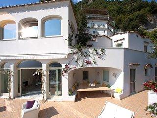 Positano Villa Sleeps 12 with Pool Air Con and WiFi - 5218312