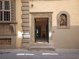 4 bedroom Apartment in Cortona, Tuscany, Italy : ref 5218356