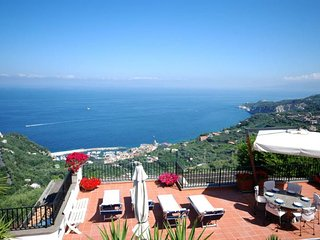 5 bedroom Villa in Sorrento, Campania, Italy : ref 5218255