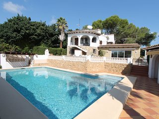 MJ000148 - CHARMING 4 BED VILLA WITH VERY GOOD LOCATION CLOSE TO MORAIRA