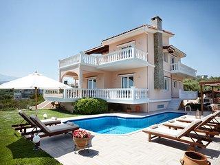 Vogue Luxury Villa, Just 300m From Agioi Apostoloi Beach, Chania