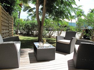 C'EST PARFAIT!... the perfectly affordable, newly renovated, almost beachfront c
