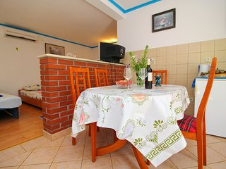 Apartments Romantic - Family Studio with Terrace (Laguna)