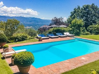 San Donato in Collina Villa Sleeps 6 with Pool Air Con and WiFi - 5218502