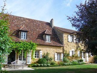 4 bedroom Villa in Sainte-Alvere, Nouvelle-Aquitaine, France : ref 5675857