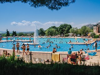 Camping Castell Montgri Tentholidays
