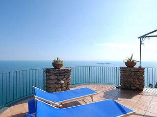 Positano Apartment Sleeps 4 with Air Con and WiFi - 5218574
