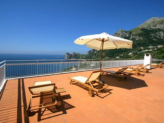 Marina del Cantone Villa Sleeps 14 with Pool Air Con and WiFi - 5218400