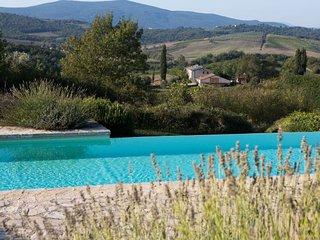 Casanuova di Pietrafitta Villa Sleeps 12 with Pool Air Con and WiFi - 5218300