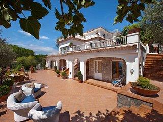 6 bedroom Villa in Sant'Agata sui Due Golfi, Campania, Italy : ref 5218109