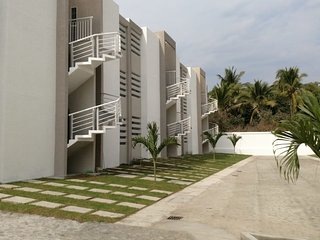 departamento completo con alberca en miramar, manzanillo, colima, México.