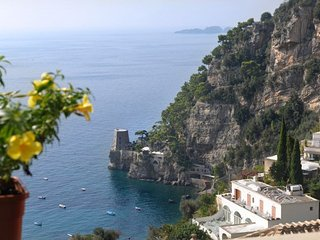 Positano Villa Sleeps 6 with Air Con and WiFi - 5218239