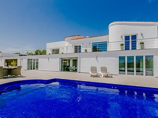 4 bedroom Villa in Moraira, Region of Valencia, Spain : ref 5675781