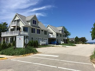 New 5 Star Luxury Beach Homes At Woodman Beach- LAKE VIEWS- SLEEP 32-Walk 2 Town