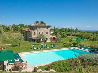 6 bedroom Villa in Ponte a Moriano, Tuscany, Italy : ref 5218461