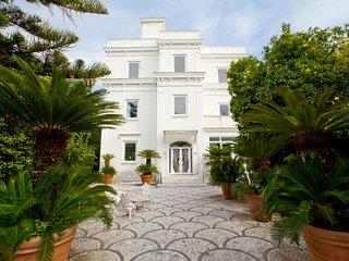 9 bedroom Villa in Sorrento, Campania, Italy : ref 5480570