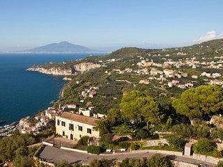 5 bedroom Villa in Sorrento, Campania, Italy : ref 5218305