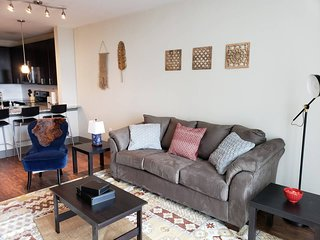 426-4th-623 · HOTTEST SPOT IN UPTOWN! 1BR NEAR EVERYTHING - B2