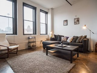 HISTORIC 3RD WARD 1BR LOFT W/ PARKING