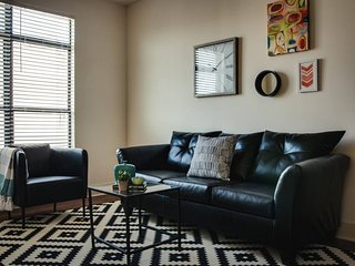 DELIGHTFUL 1BR IN TRENDY SOUTH END STEPS FROM LYNX