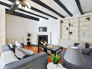 Courtfield Gardens · Luxury 3 beds house in South Kensington.