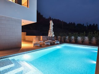 Luxury, seafront Villa IVAN with heated pool only 100m from beach