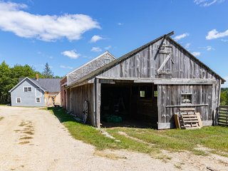 NEW LISTING! Remodeled farmhouse on 100 acres w/2 ponds - great spot to relax