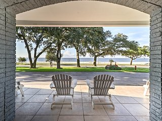 Biloxi Condo Across from Beach - 1.5 Mi to Casinos