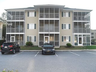 2 BR 2 BA Condo in Waterway Landing Community along the Intracoastal!!!!!