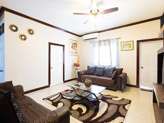Casa De Baron Vacation Rental - New Kingston