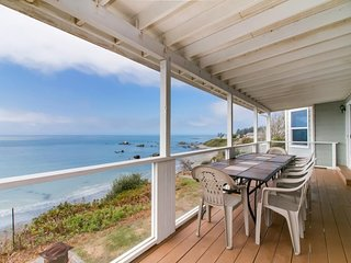 Gorgeous, oceanfront estate w/ views &  hot tub - beach right down the stairs