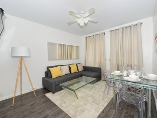 NYC Ninth Avenue - Three Bedroom Apartment - Apartment