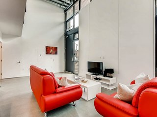 Market Street - One Bedroom Loft Apartment - Apartment