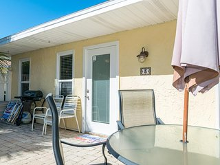 Recently Updated 2BR/1BA w/ Private Patio, Large Heated Pool, and Near the Gulf!
